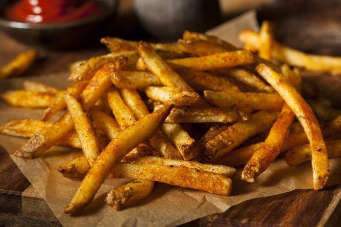 How To Make Easy Homemade Crispy French Fries
